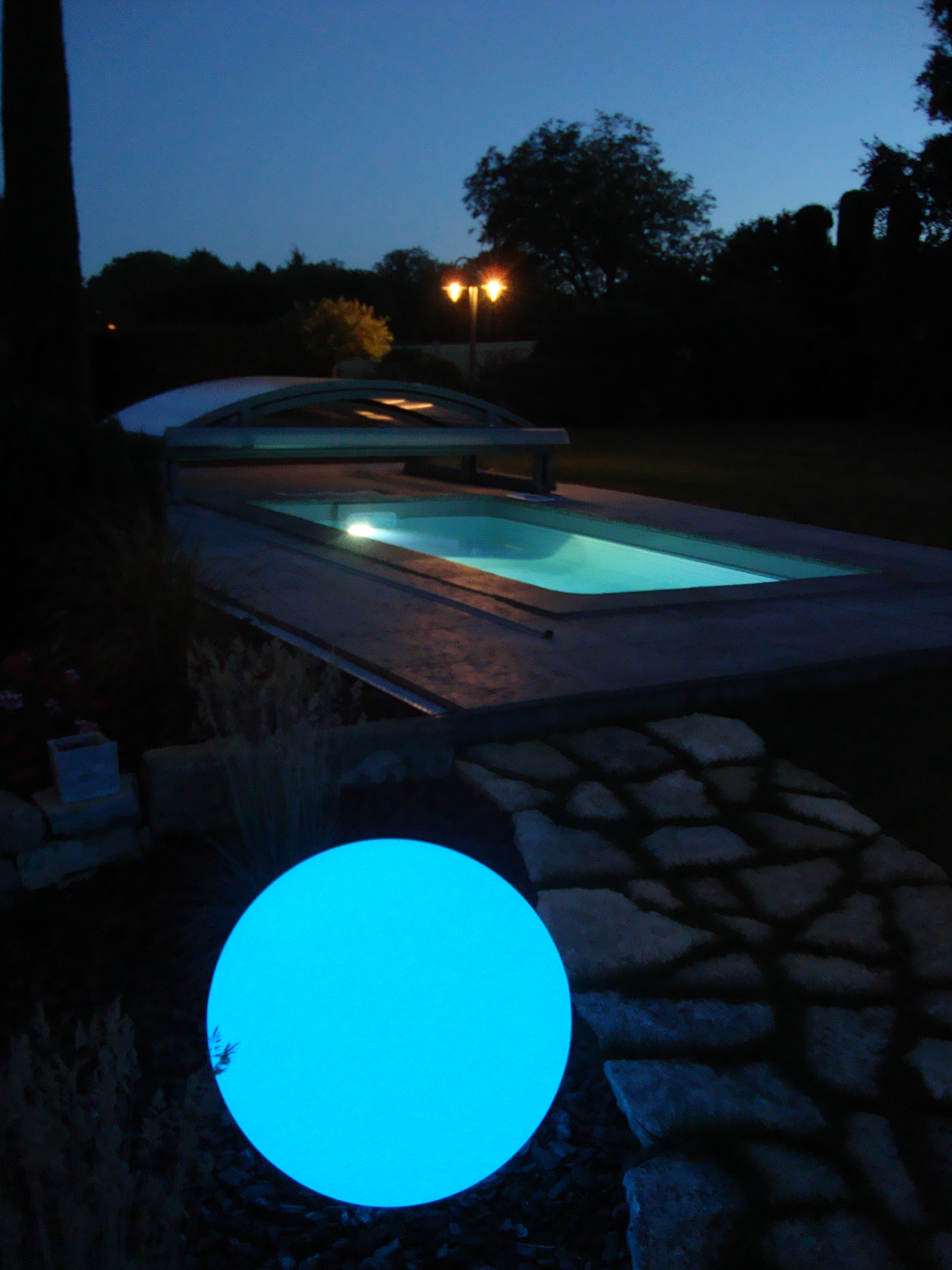 MINI POOL de nuit.JPG